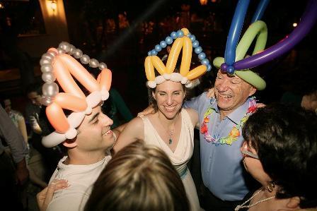 כתרים מבלונים לחתונה