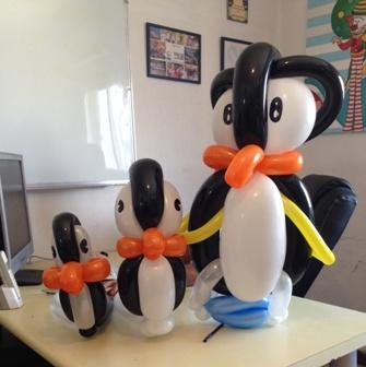 פסל בלונים פנגווין