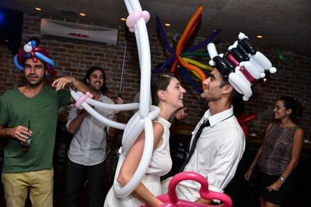 כובעים מבלונים לחתן וכלה
