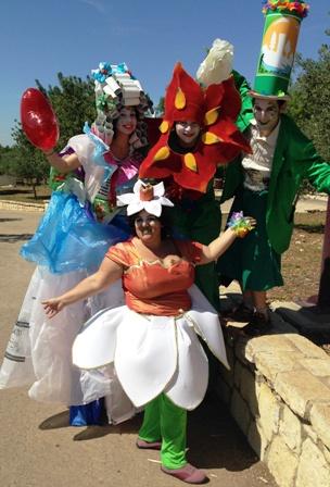 איכות הסביבה גברת ריסייקל, הפרחים כלנית ונרקיס והאיש הירוק