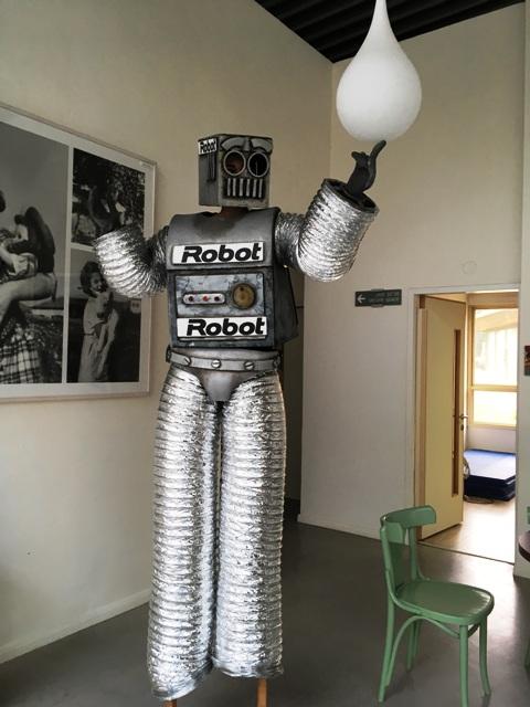 רובוטים על קביים